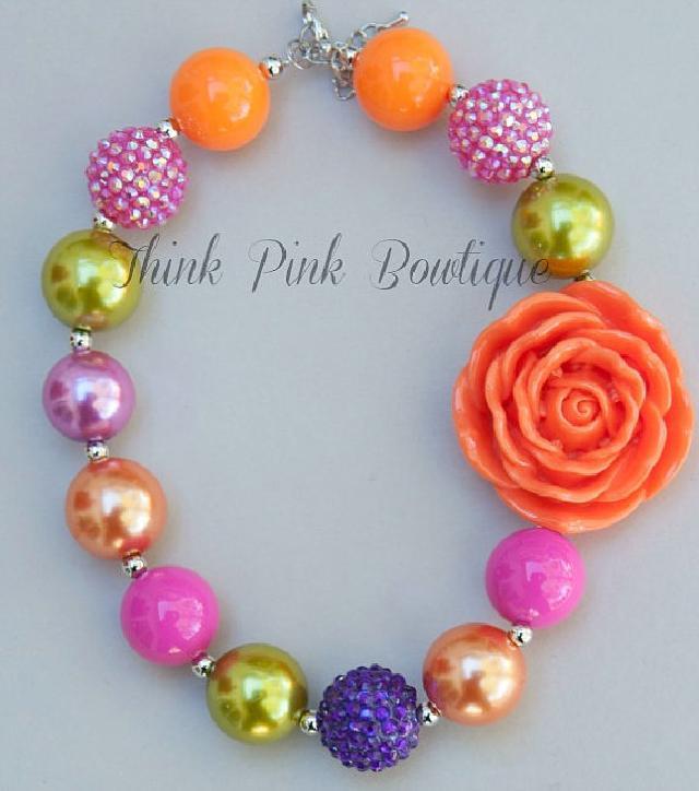 おしゃれベビーのためのビーズネックレス♪オレンジ、パープル&ホットピンク
