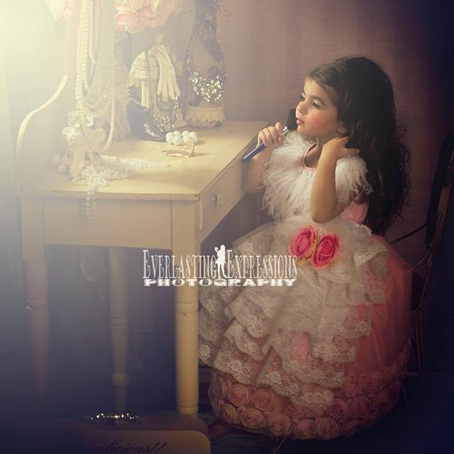 ヴィンテージレースとフリルのエプロンドレス「Vintage Frills Lace Apron Dress」1歳から12歳