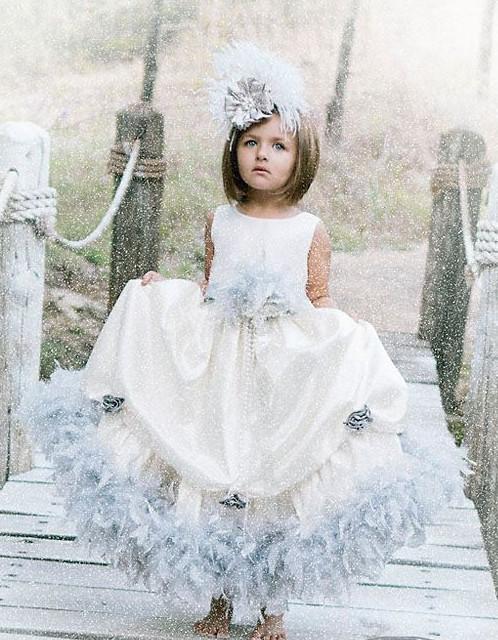 ライトグレイのフェザードレス Winter Fairytale2T【90・100サイズ】
