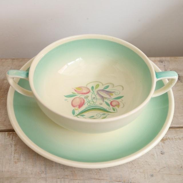 スージークーパー ドレスデンスプレイ グリーン スープカップ&ソーサー SUSIE COOPER