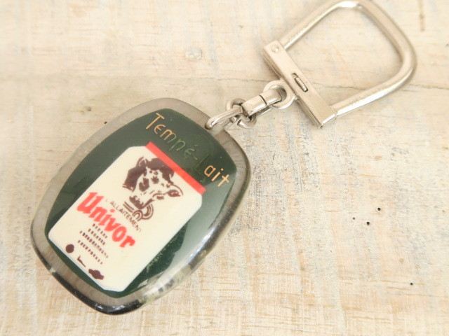 ブルボンキーホルダー 牛 哺乳瓶 Tempe Lait