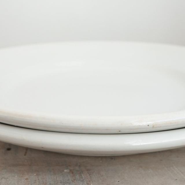 アンティークプレート 厚手の白平皿 フランス サルグミンヌ製 DIGOIN & SARREGUEMINES