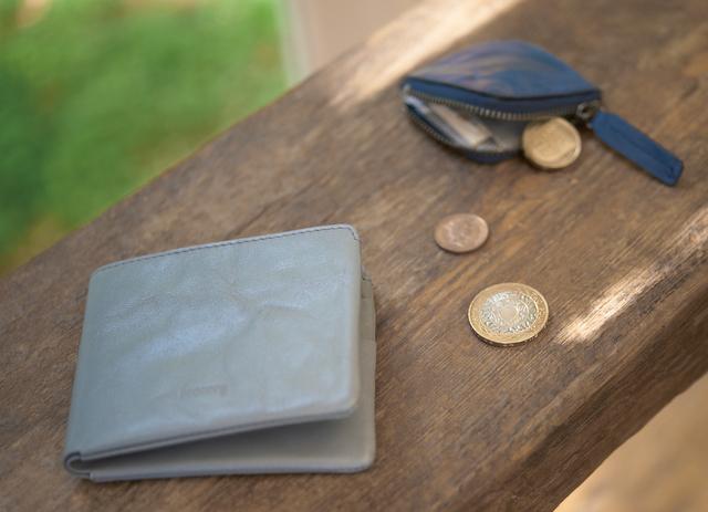 二つ折り革財布  - hmny -