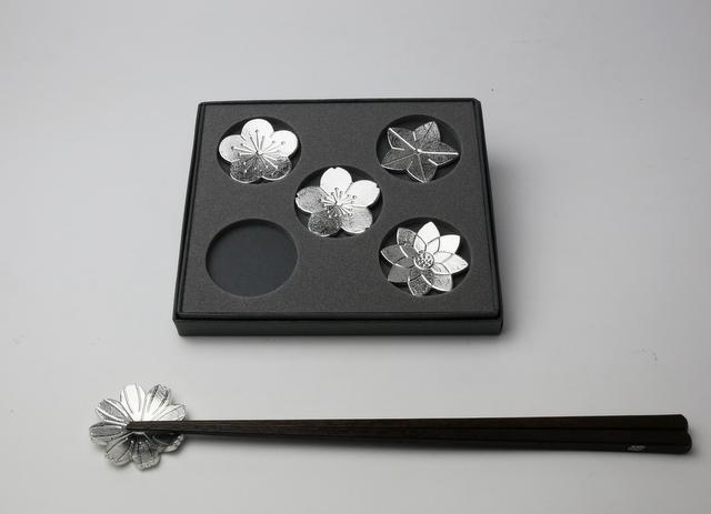 箸置 「花ばな」 -能作-