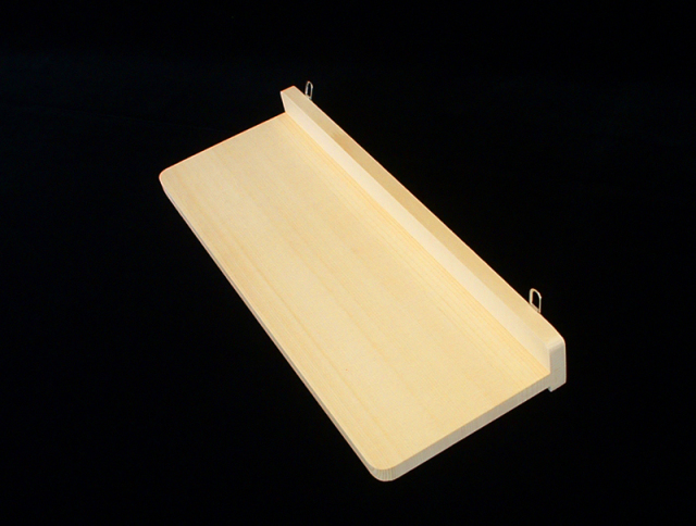 簡易型棚板:簡易型の神棚とあわせて神具をお祀りできます