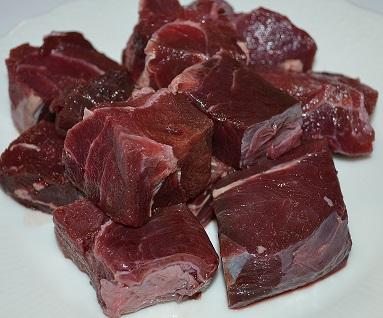 【犬用 生肉】本州鹿 大き目サイコロカット 1kg ペット 生肉 おやつ ごはん(大人気鹿肉)