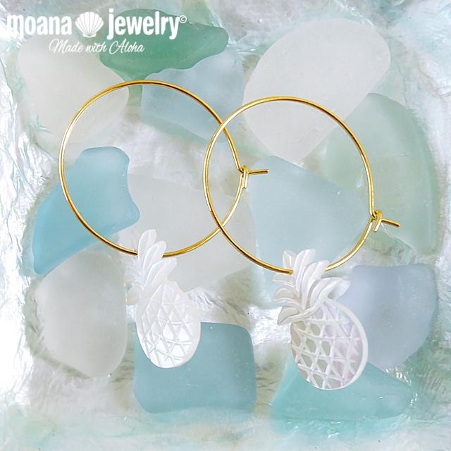 moana_p226 白蝶貝のワイヤーフープピアス Pineapple