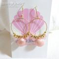 moana_p45 ローズクォーツとピンクシェルがCuteなフープピアス I Love Pink Shell