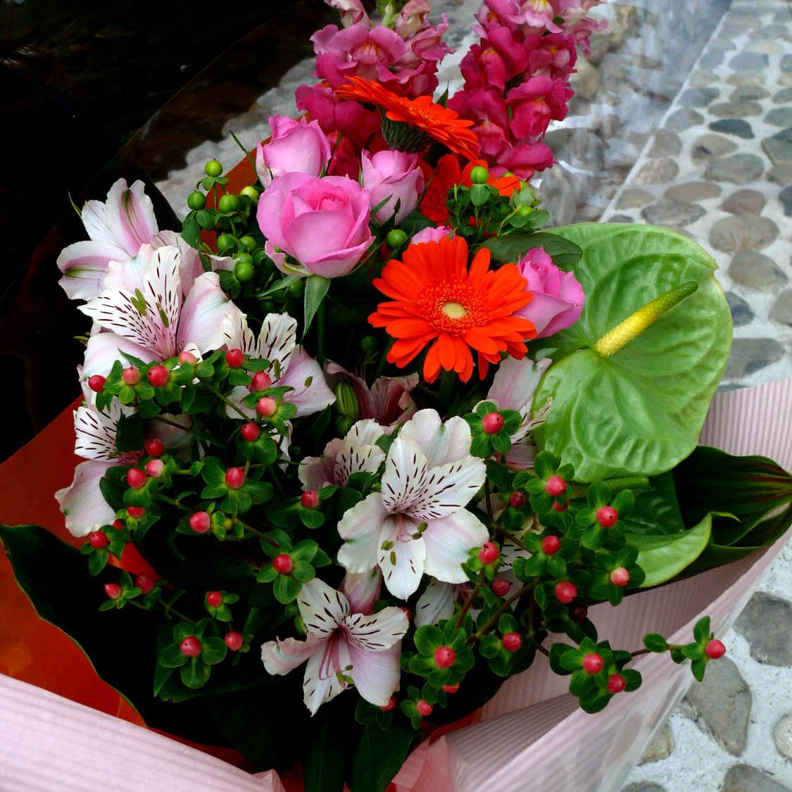 ポップな花束