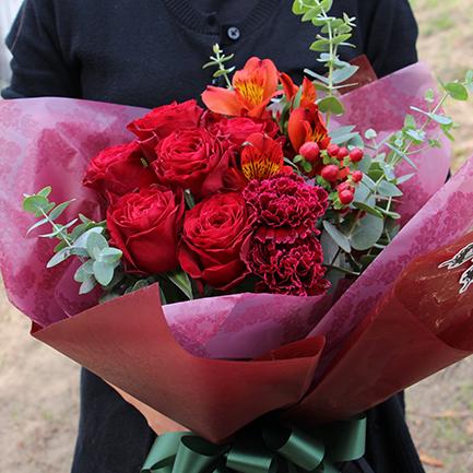 【いい夫婦の日】深紅のバラ花束5000円