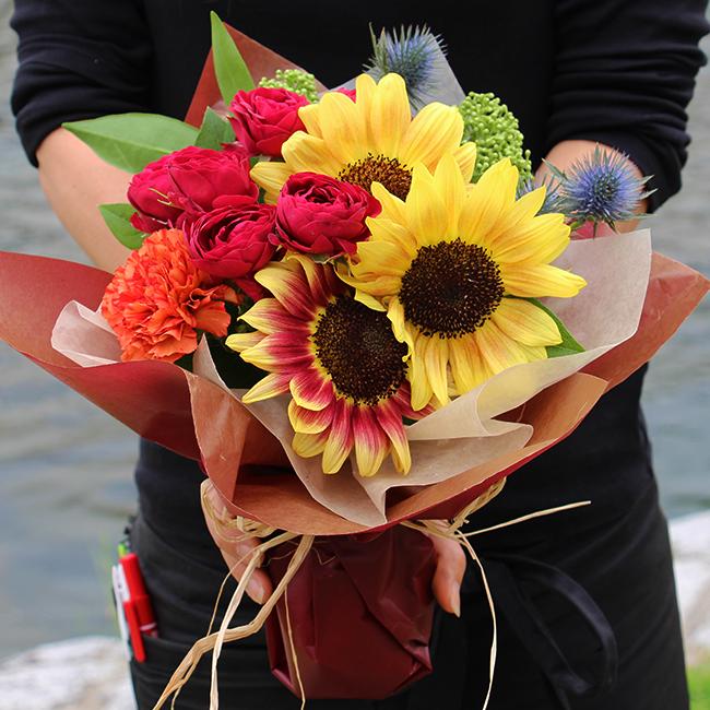 【父の日ギフト】 ひまわりの花束3000円