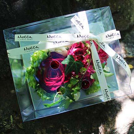 4種のバラをあしらったミックスローズボックスアレンジメント4000円