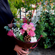 【Xmasプレゼントに花束を】グリーンとピンクの花束