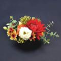 赤と白のコントラストが鮮やかな大人な雰囲気のアレンジメントAタイプ