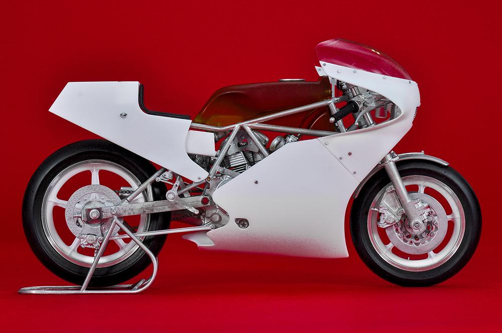 1/9scale Fulldetail Kit : 750 TT1 [1983]