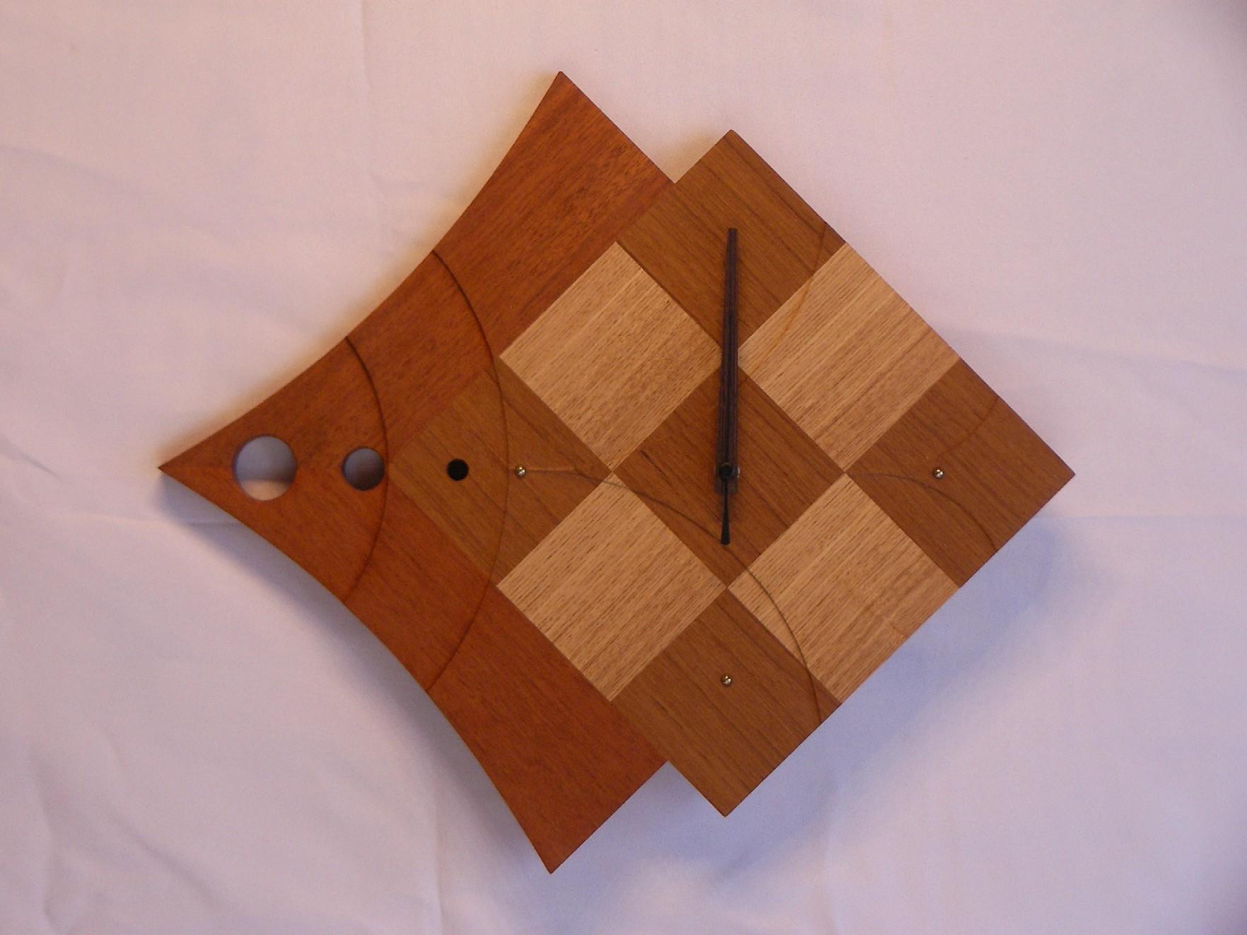 手作り木製電波掛け時計 さかな