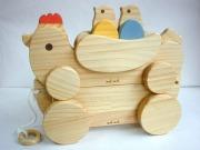 ★受注生産(納期1ヶ月)。木のおもちゃ知育玩具、組立てコッコちゃん羽付+ゆらころ