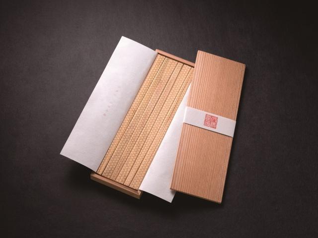 敬老のお祝いに 延命長寿 亀甲文様割箸 6膳杉箱セット 送料無料