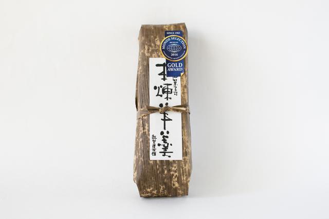 和歌山串本の紅葉屋本舗の本練羊羹竹皮の画像