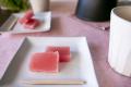 和歌山串本の紅葉屋本舗の桜羊羹切片のイメージ画像