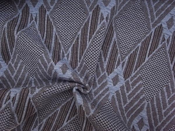 イタリア製輸入生地 【ウールベースニット】 /幾何学模様ジャガード/1着分2.5m