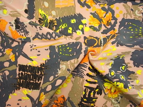 イタリア製生地 【GIANNI VALENTINO】 ミディアムヘビーシルク/抽象柄プリント/1着分2.5m
