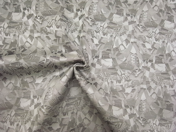 イタリア製輸入生地 【ピュアシルク】 /幾何学柄ジャガード織/グレーカラー/1着分3,8m