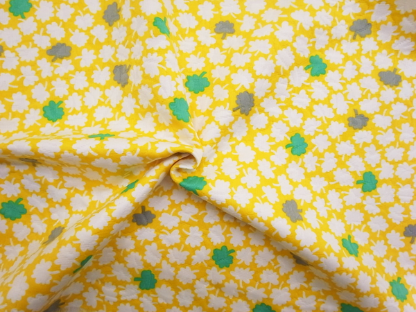 スイス製輸入生地 【ピュアコットンピケ】 小花柄プリント/1着分2.4m