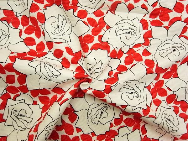 スイス製輸入生地 【ピュアコットンピケ】 線描き花柄プリント/1着分2.4m