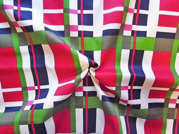 スイス製輸入生地 【ピュアコットン綾織り】 マルチカラーチェック柄プリント/ワンピース着分2.1m