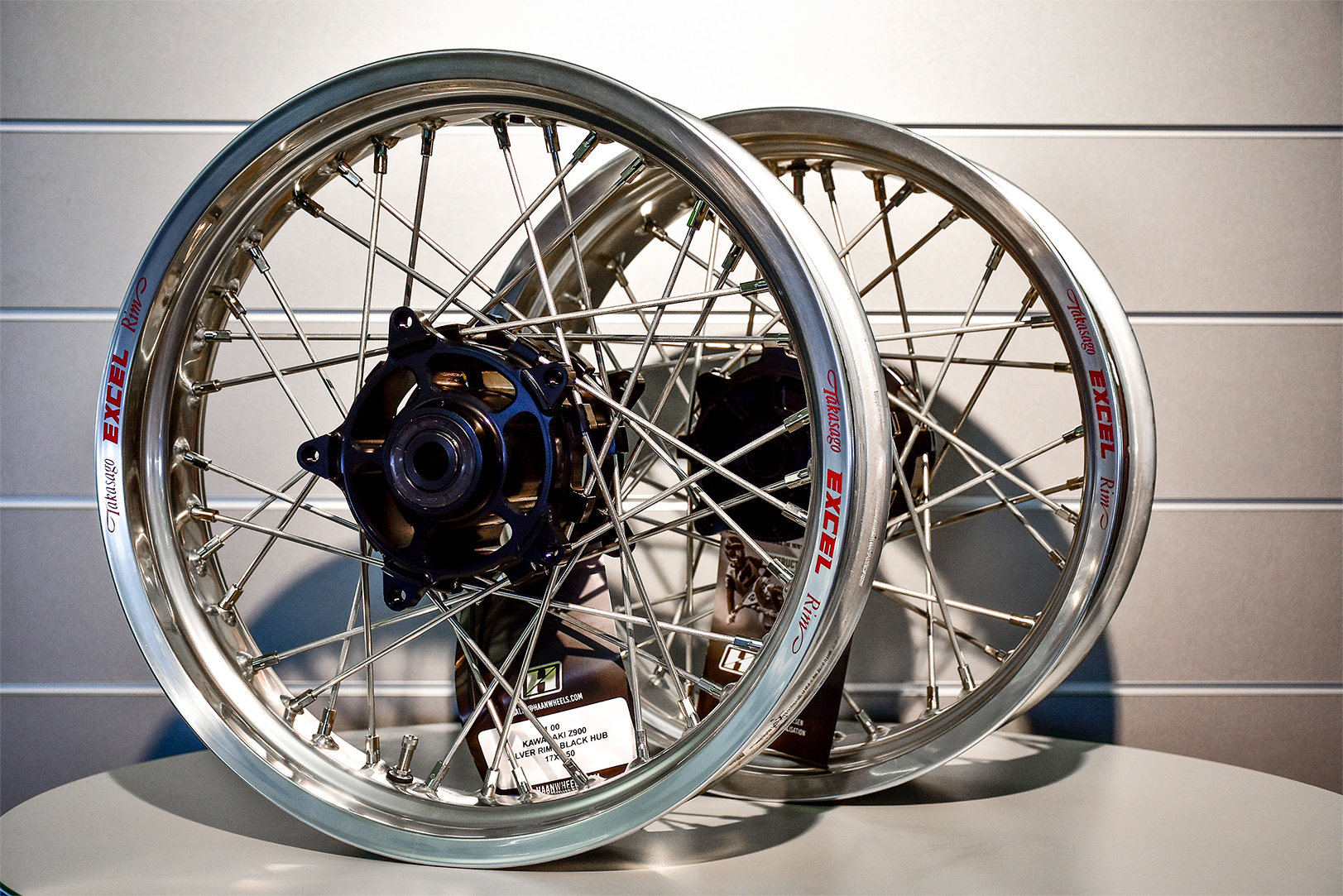 (前後セット)Kawasaki Z900RS 2018- ロードコンプリートチューブレスホイール