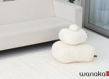 WANAKAワナカ ムートンクッションSTONE(ホワイト)