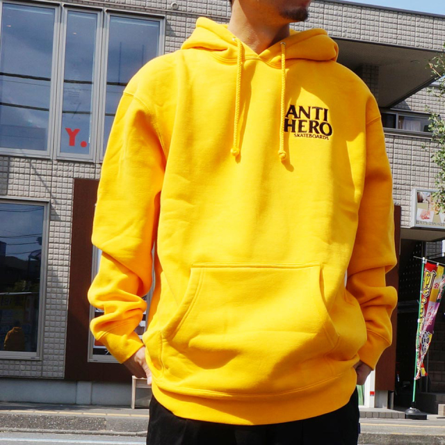 ANTI HERO アンタイヒーロー パーカー LIL BLACK HERO HOODIE - YELLOW