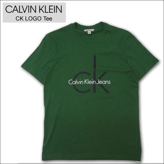カルバンクラインのTシャツ