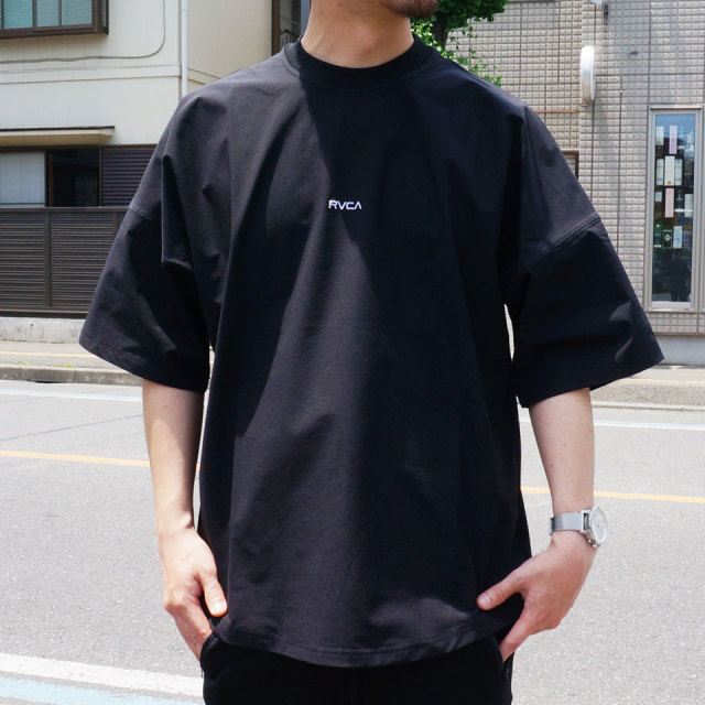 RVCA ルーカ SMALL NEW WORLD S/S Tee AJ041-305