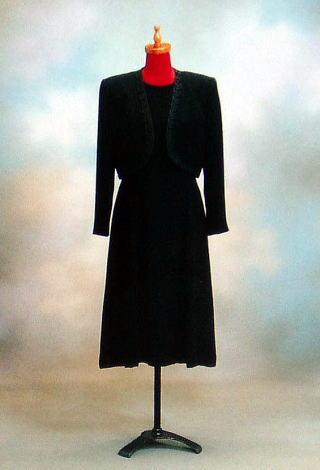 貸衣裳ー婦人黒洋服(ワンピース)7号〜21号