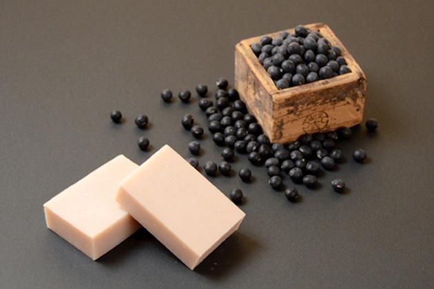 黒豆の豆乳石鹸