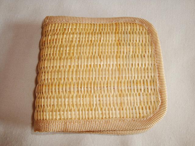 ミャンマーのラタン(籐製)小物入れ