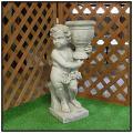 子供石像 花鉢の少年像