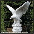 彫像 鷲 クラシックガーデン 石像  ガーデンオブジェ  精悍 鳥置物 オブジェ 洋風ガーデン オーナメント イタリア石造