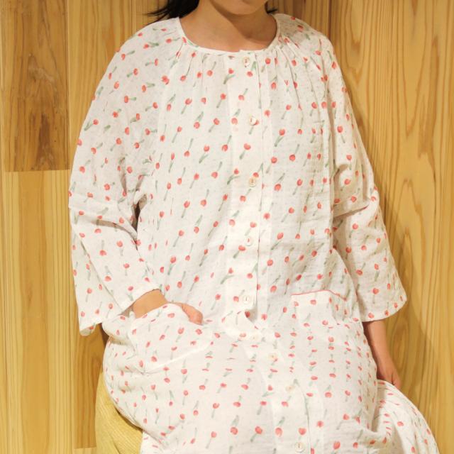 やわらかく冷えすぎないダブルガーゼシャーリング綿パジャマ フラワードット 7分袖ワンピース