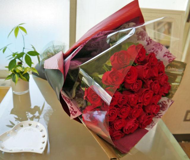 赤薔薇の豪華な花束
