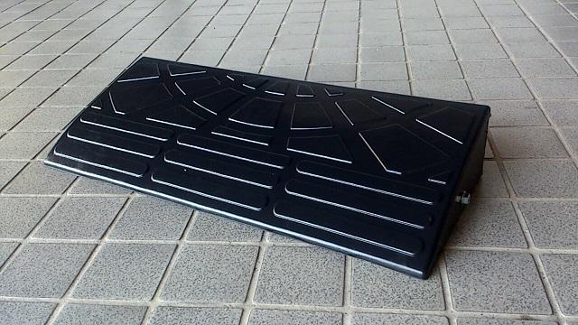 ゴム製段差プレート「 DANSAのぼるくん」10-60送料無料! (W600XD250XH95(mm) 4.0kg