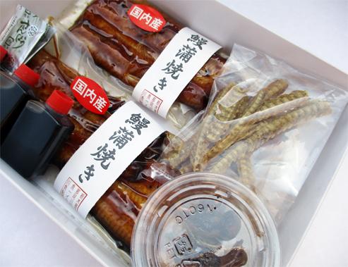 手間いらず!鰻を丸ごと愉しみたい方へ【国産鰻蒲焼き肝煮・骨せんべいセット(タレ,山椒付属)】