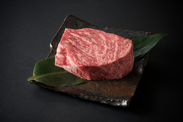 九州産黒毛和牛 ローストビー用/1個300g(800)