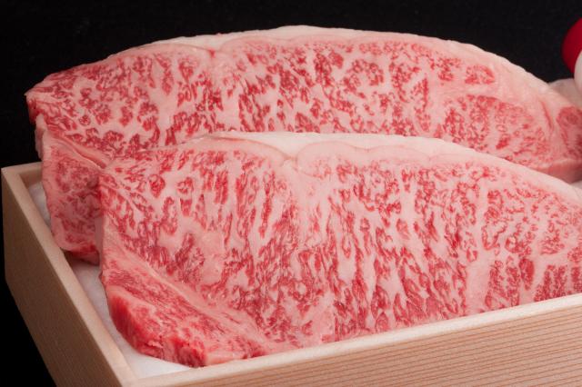 壱岐牛ロースステーキ180g×3枚・モモスライス550g詰め合わせ