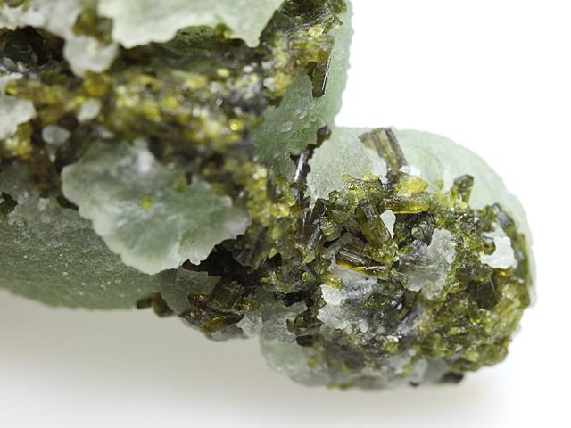 葡萄石と緑簾石(Prehnite and E...