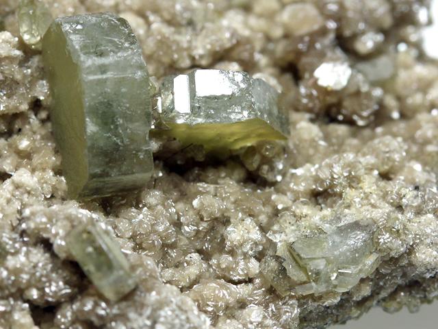 弗素燐灰石とチンワルド雲母(Fluorapatite and Zinnwaldite ...