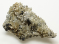水晶と赤鉄鉱 和賀仙人鉱山産 01 メイン