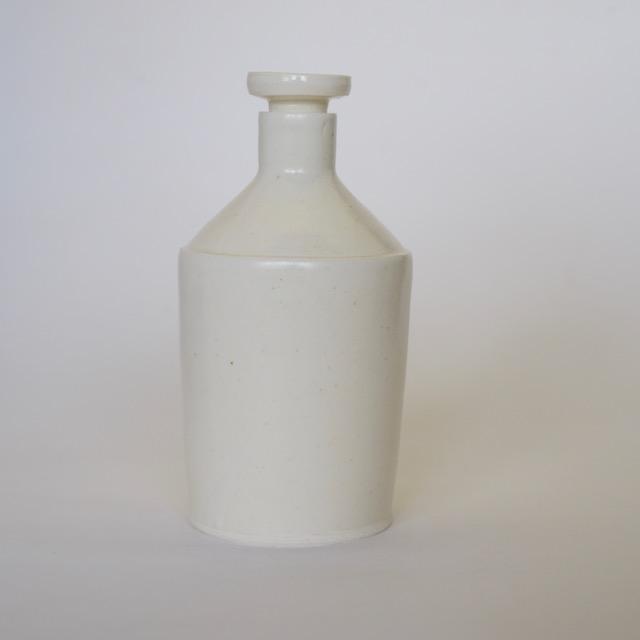 中里花子 マットホワイト釉ボトル